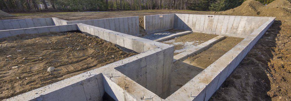 Bilden visar en platta på mark, en typ av grundläggning som utför av Byggföretaget Umeå AB